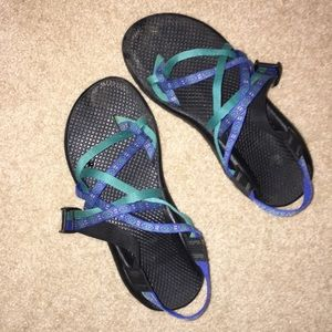 DOUBLE STRAP CHACOS- lightly worn